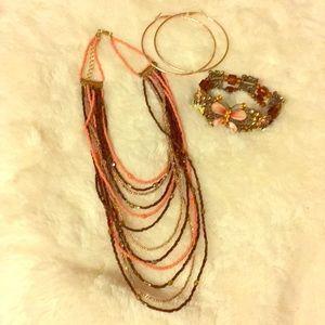 Jewelry - Beautiful bracelet/necklace/earrings